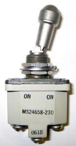 Interruttore On-Off monopolare a levetta, con blocco Spec MIL MS24658-22D ON-OFF ( 2 contatti M3)( per Master)