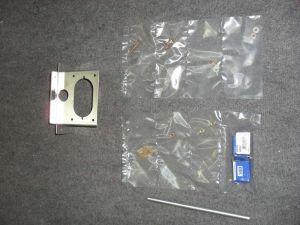 Kit Autopilota 02 comprende: Staffa servocomando alta per installazione orizzontale Dynon + kit ferramenta in pollici co
